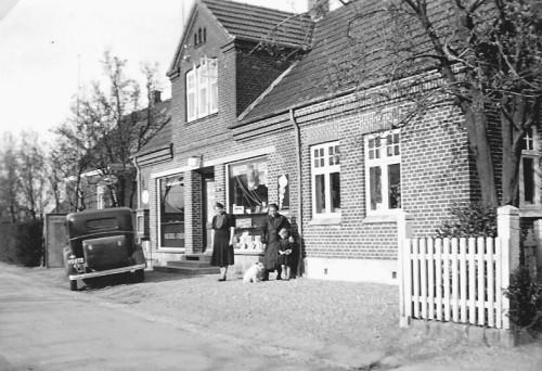 b.00192 frisørforretningen, Byvejen 68