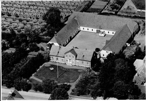 b.01202 Kalundgaard, Middelfartvej 77